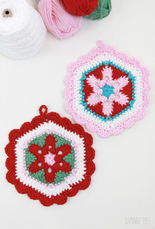 Star Lily hexagon potholder, free pattern by Flamingo Toes.