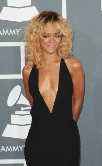 Rihanna Blonde Hair Color Rihanna Hairstyles Hair Styles Hair