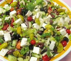 GREEK SALAD FOR A CROWD