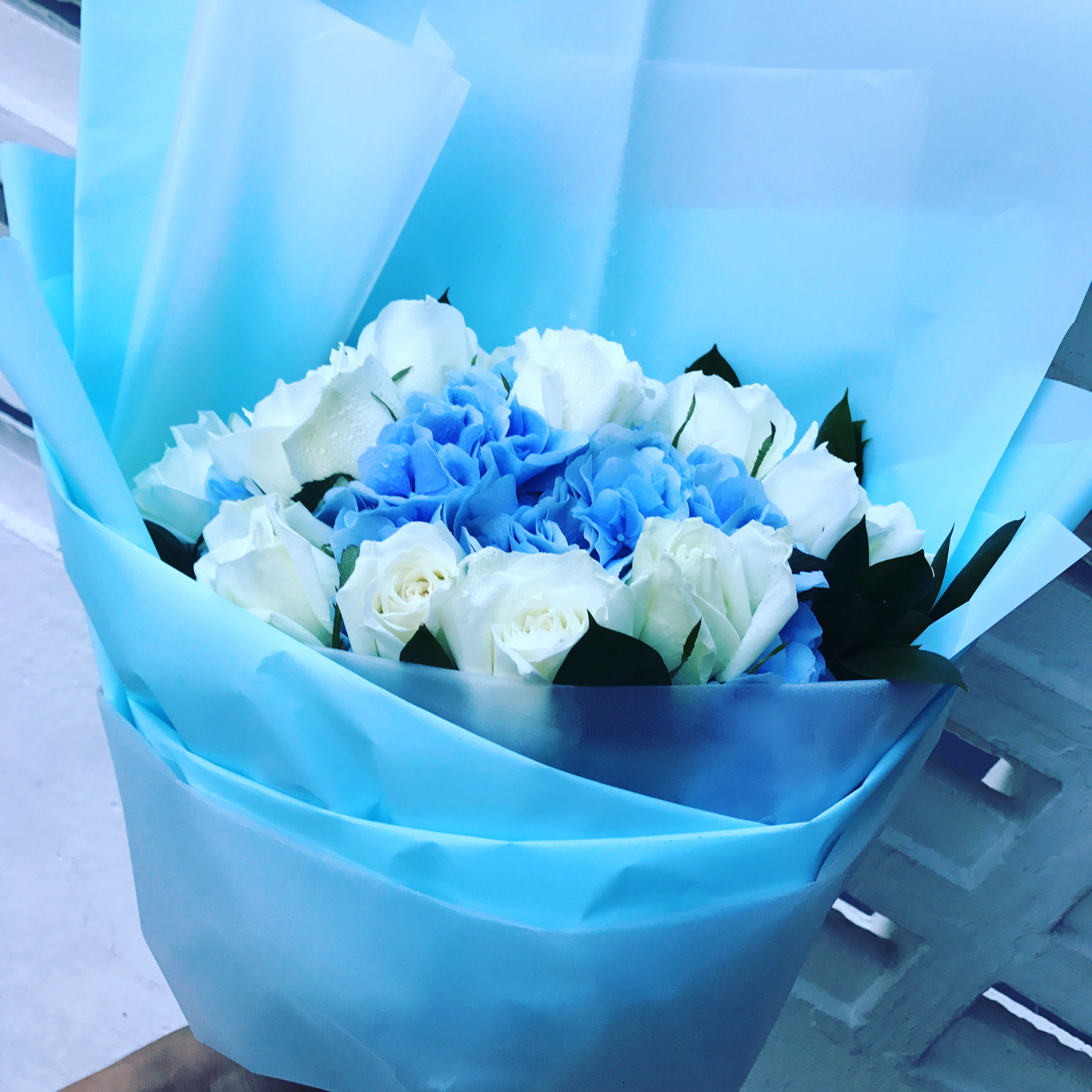Cool 😎 blue. Flower Delivery Singapore 🇸🇬 creation.