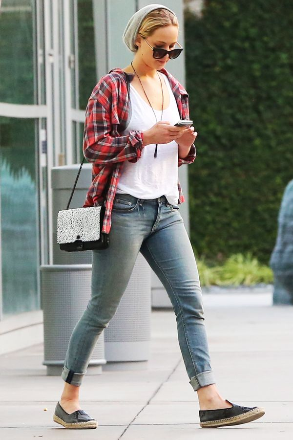 Jennifer lawrences movie going outfit will come in handy this jennifer lawrences movie going outfit will come in handy this weekend refinery29 http voltagebd Image collections