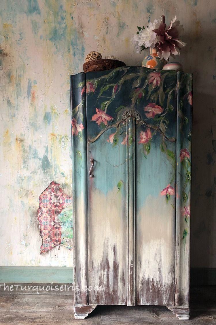 #furniturepainter #furnitureartist #vintagefurniture #paintedfurniture #loveart #oklahomaartist #okcartist #oneofakind #theturquoiseiris #handpainted #claybasedpaint #etsyshop #etsyseller #createallday #creativeentreprenuer #dotheDionne #colormovement #DIYpaint #debisdesigndiary #BohoBlue #BohemianBlue