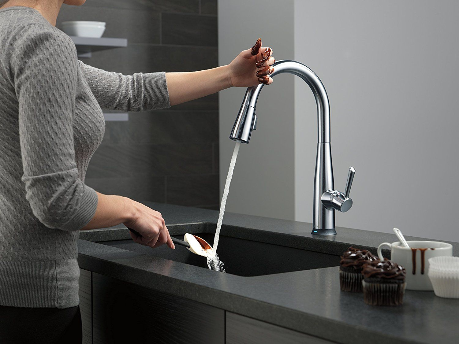 Delta Faucet 4353-AR-DST Linden Single Handle Water-Efficient Pull ...