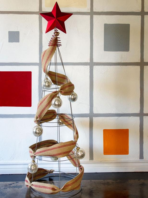 30 Alternative Christmas Trees to Try This Year