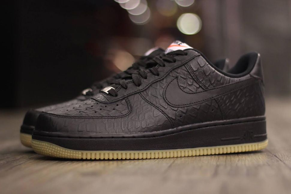 nike air force 1 black croc gum boots