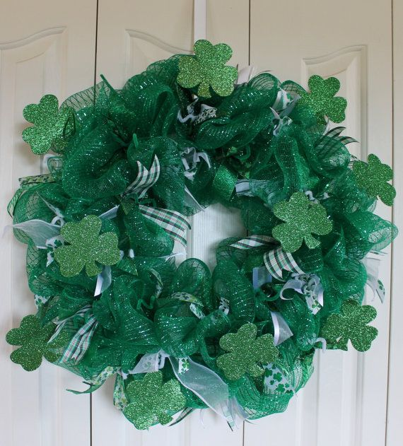 st patrick 39 s day sparkle deco mesh wreath shamrock glitter st patrick 39 s day decor st. Black Bedroom Furniture Sets. Home Design Ideas