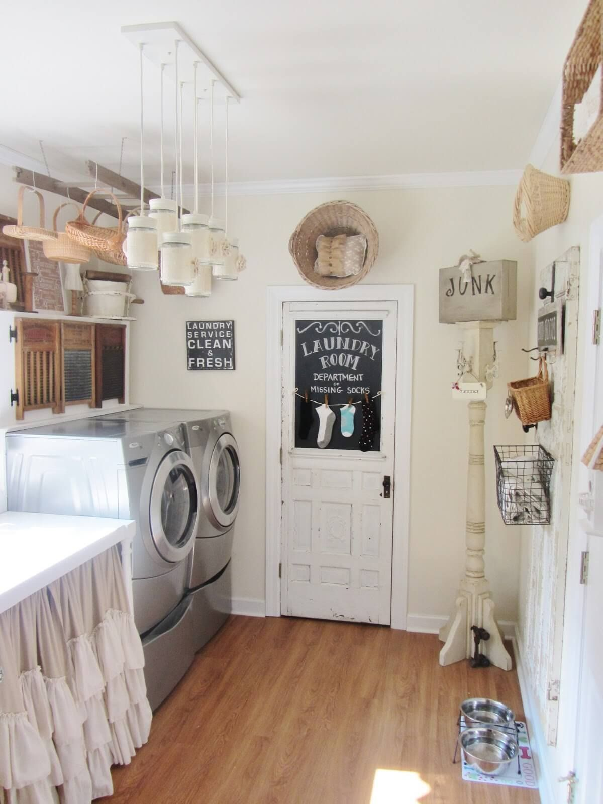 Vintage Laundry Room With Wicker Basket Storage Laundry Room