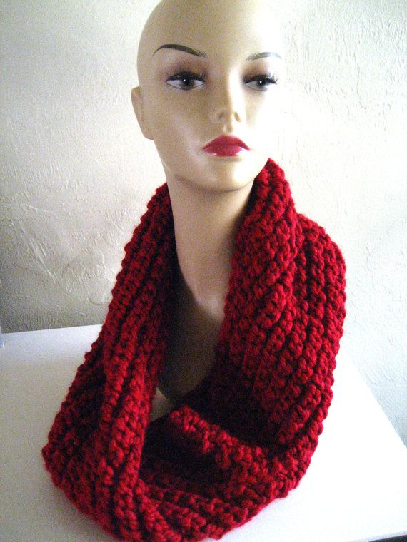 Chunky Knit Red Cowl SALE by knitatthebar on Etsy, $30.00 Valentine's Cowl