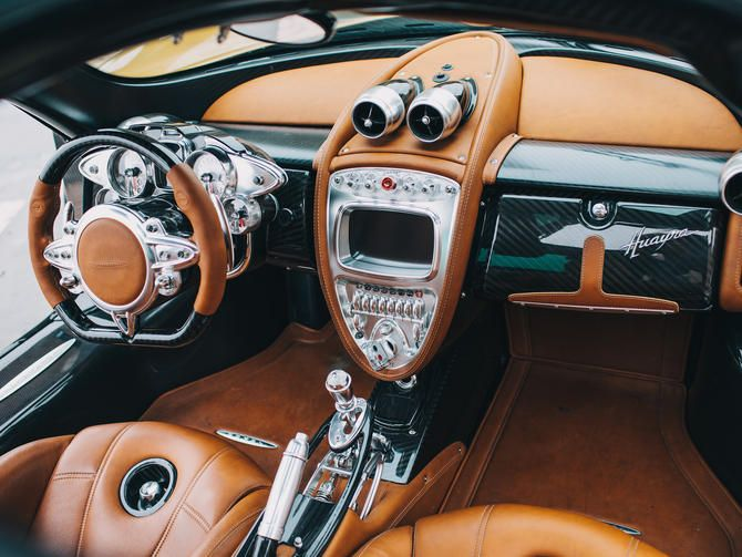 Pagani Huayra: The Steampunk Hypercar Interior That Will Blow Your Mind  (pictures)