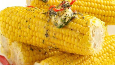 The perfect #BBQ side! Corn on the Cob with Chilli Butter. Click for the great recipe :)