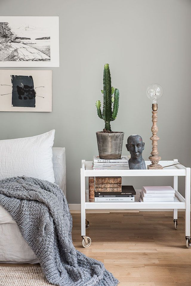 Sitting room with linen in the beautiful Stockholm home of Helena Nord - En Form av Nord / Blogger at Elle Decoration.