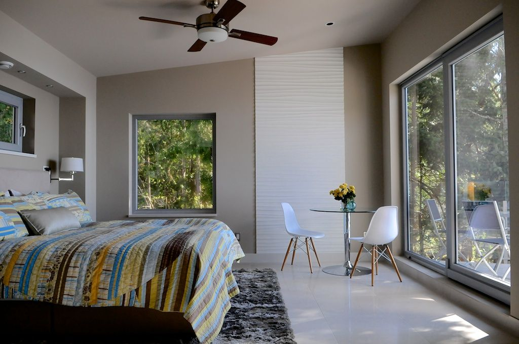 Beachcomber Suite | Pointhouse Suites on Sargeant Bay