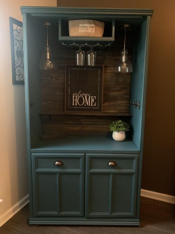 Excellent   Absolument gratuit  glass armoire repurpose  Suggestions,  #Absolument #armoire #Excellent #glass #glassarmoirerepurpose #gratuit #repurpose #Suggestions, Nouveau et disponible maintenant! Armoire transformée en un bar unique en son genre! La couleur est une sarcelle personnalisée. Scellé avec une couche de finition / poly durable. Planches de bois foncé ajoutées de haut en bas, lam...