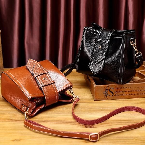 Genuine Leather Shoulder bag High fashion with a classic design spectacular bag Crafted with 100 leather Very stylish It has a vintage approach for a classier cool look...