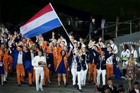 De olympische ploeg voor de zomerspelen in London 2012. De delegatie werd aangevoerd door vlaggendrager Dorian van Rijsselberghe.