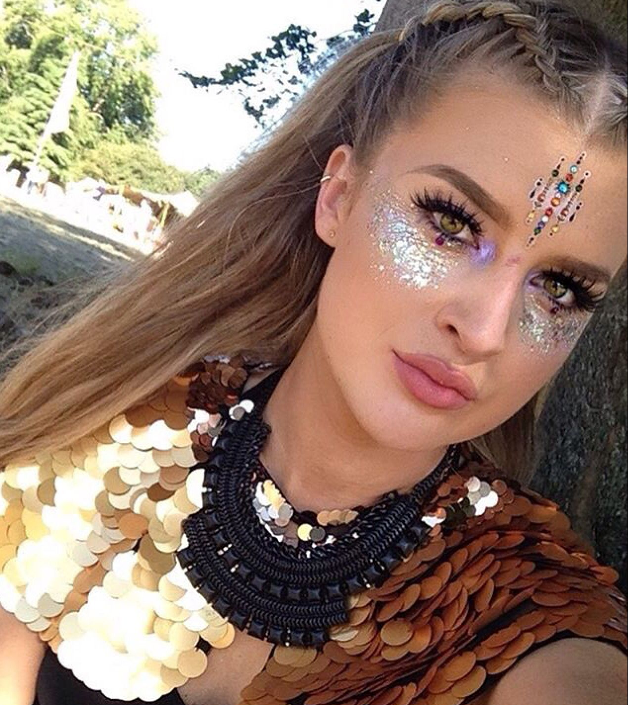 Sparkle shine glitter hair and makeup feathers shimmer - Hair Makeup Festival Glitter And Jewels