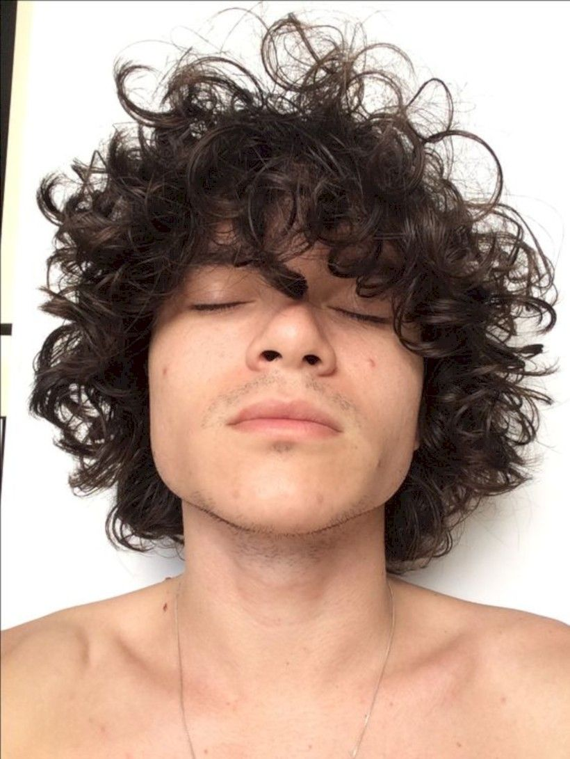 35 Best Curly Hairstyle For Men White Skin Attireal Com Curly Hair Styles Mens Hairstyles Short Long Hair Styles