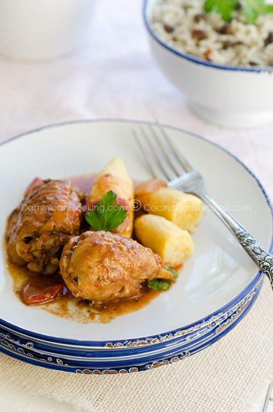Pollo guisado braised chicken good for when you want dominican pollo guisado braised chicken good for when you want dominican dominican recipesdominican foodbraised forumfinder Choice Image