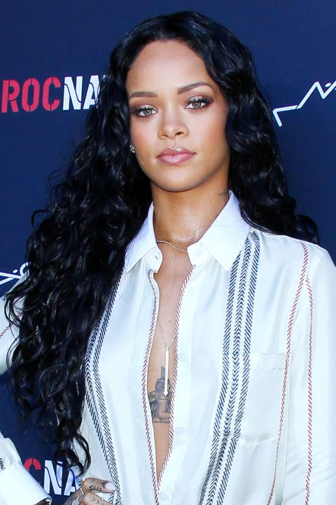Rihanna S Most Iconic Hair Looks Rihanna Hairstyles Rihanna Looks Rihanna Long Hair