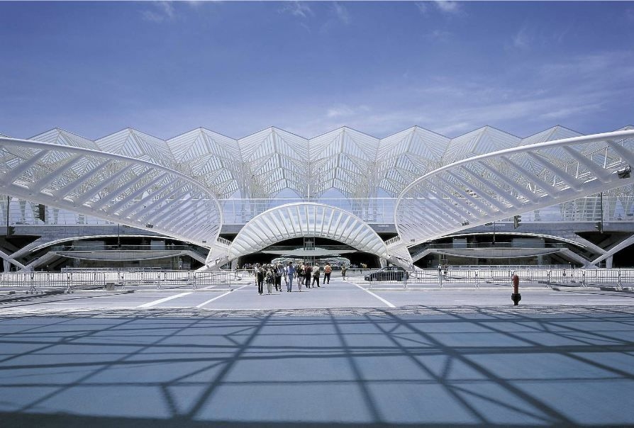Santiago Calatrava's Gorgeous Oriente Station is Topped With a ...