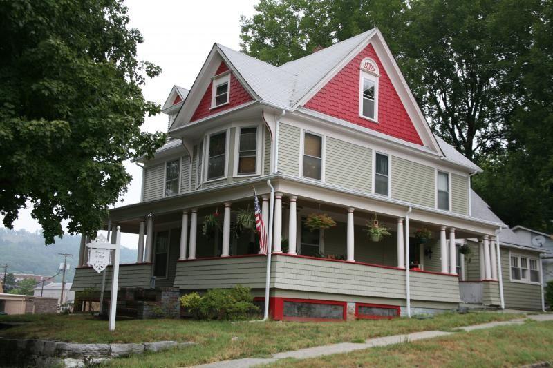 Victorian Exterior Paint Color Combinations Folk Victorian House
