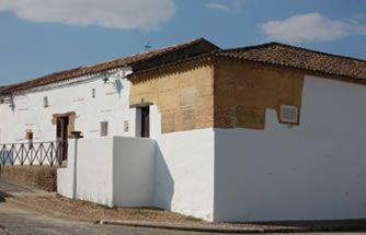Ruta de Isabel la Católica » Madrigalejo. Casa de Santa Maria, en Madrigalejo, Cáceres, lugar donde se cree falleció Fernando II el Católico.