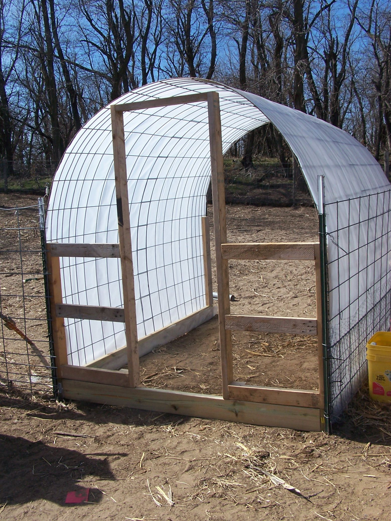 Diy Small Hoop House From Cattle Panel