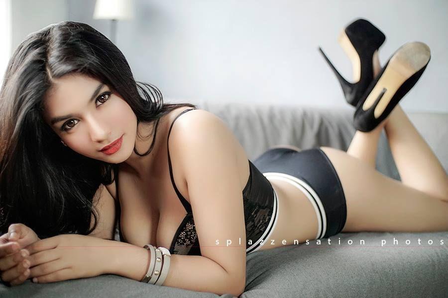 Foto Hot Siva Aprilia Bikini Seksi Bikin Horny Terbaru