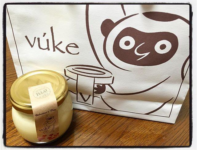 本日の頂きものは vuke のプリンでした。 うまーーーっ!  なめらかとろうまプリン好きさんにオススメ  #vuke #ブーケプリン #プリン #とろうま #埼玉と新百合ケ丘でしか買えない