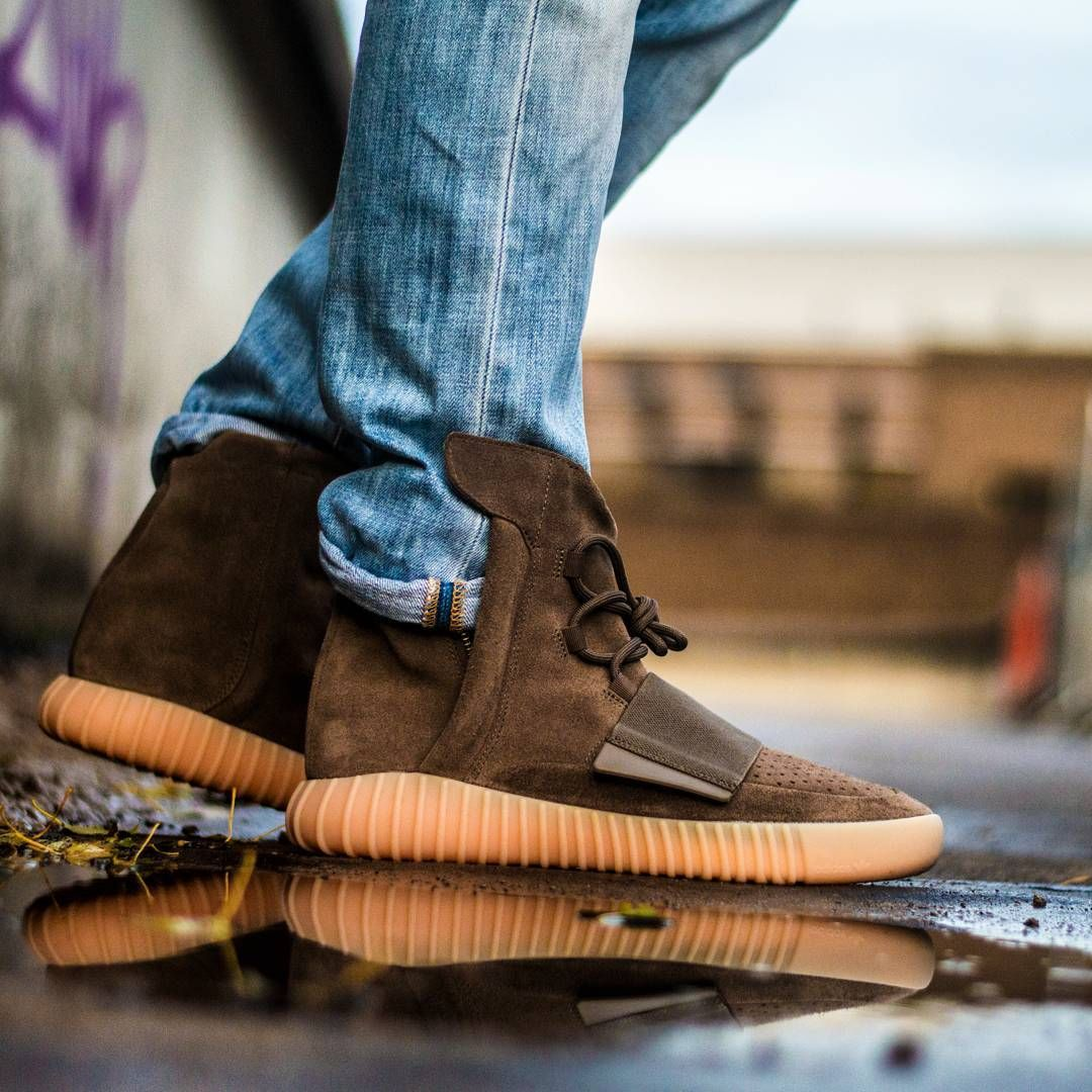 adidas yeezy boost 750 chocolate light brown\/glow adidas samba suede