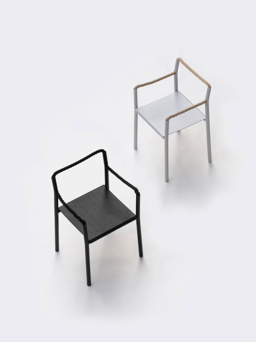 Les Freres Bouroullec Creent Une Chaise En Corde A L Aide D Un Seul Morceau De Cordon Continu In 2020 Rope Chair Chair Minimalist Chair