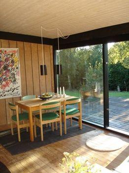Dejligt nyrenoveret sommerhus ved Ebeltoft, Djursland, Østjylland