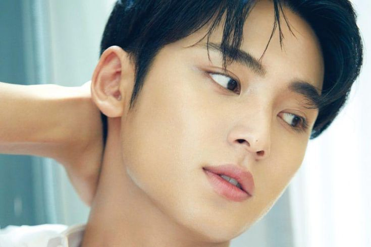 SEVENTEEN's Mingyu Talks About The Number Of Members In The Group, What He's Been Studying Lately, And More