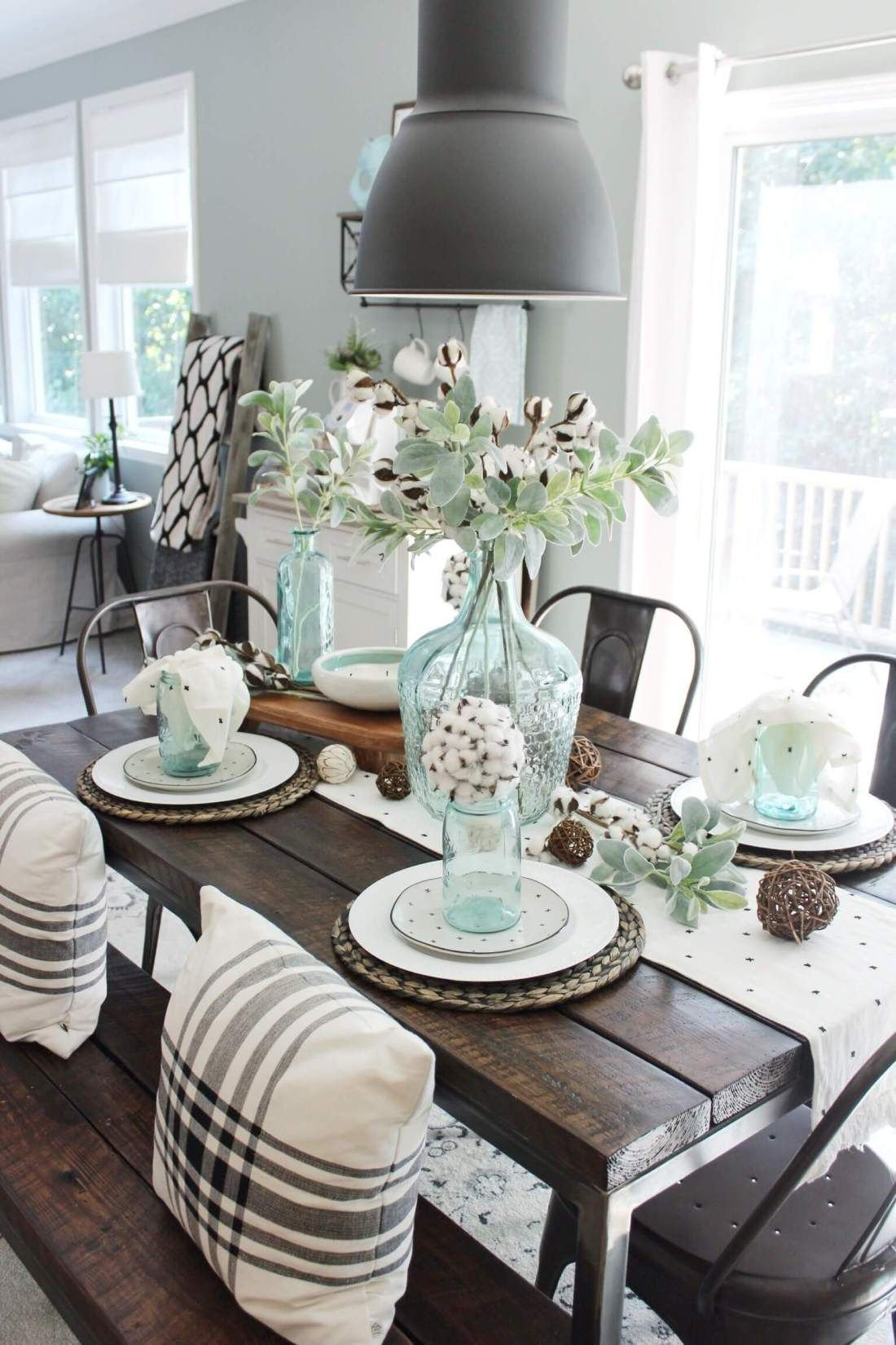 28 Stunning Farmhouse Dining Room Decor Design Ideas For 2021 Farmhouse Dining Rooms Decor Dining Table Decor Farmhouse Dining