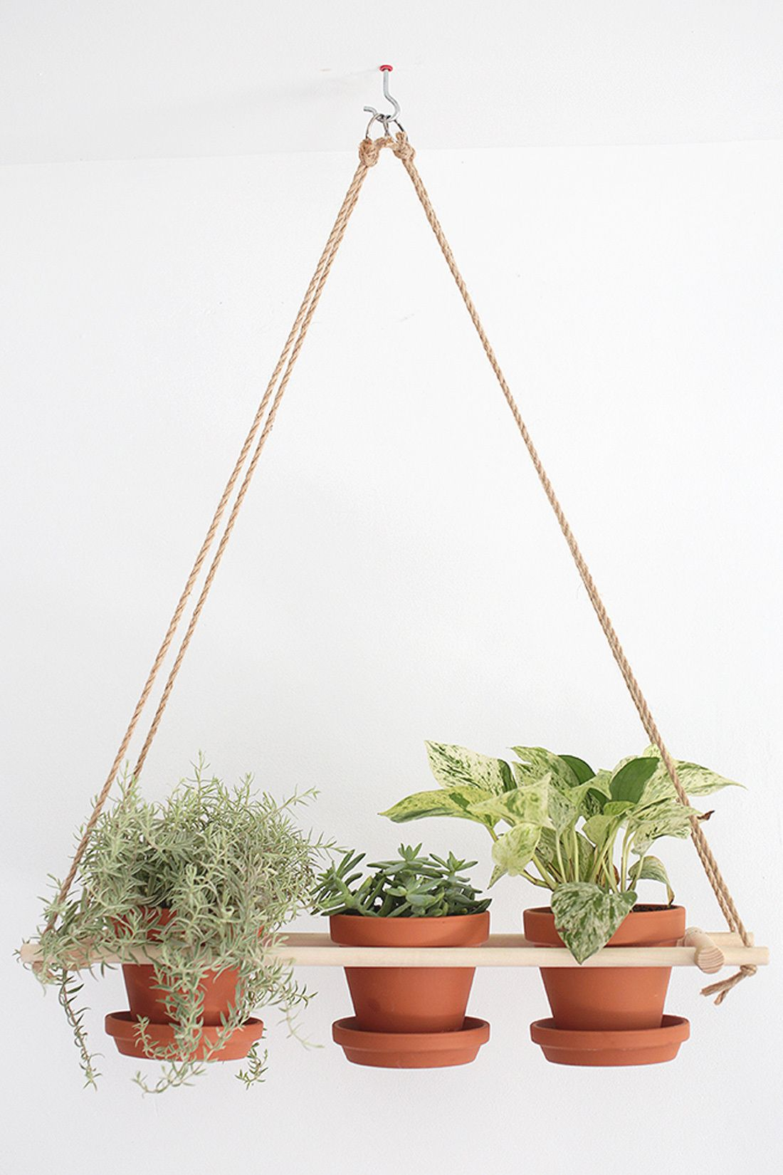 13 DIY Hanging Planters to Give Your Indoor Garden a Lift | Diy ...