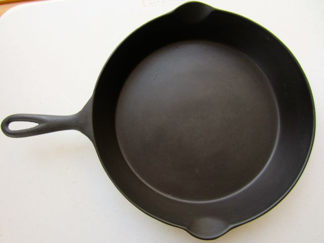 Wapak Cast Iron Skillet 10 Over 100 Years Old Cast Iron Cast Iron Cookware Holiday Gift Guide