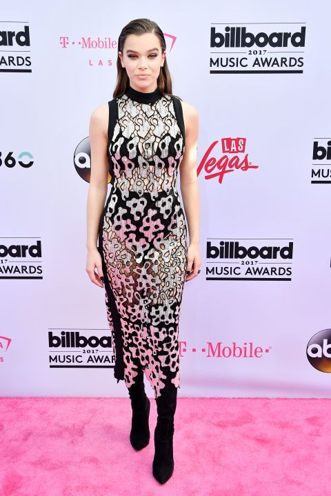 80a8155eb153025ea1d513d0b2c4b675 In 2020 Nice Dresses Billboard Music Awards Red Carpet Cool Outfits