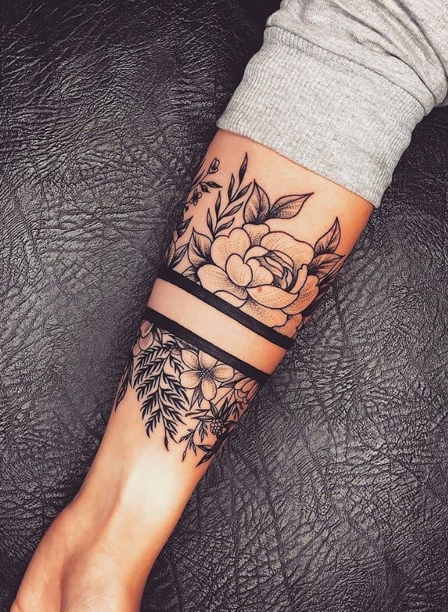 29 Elegant And Unique Body Tattoo Ideas For Stylish Woman Page 11 Of 29 Hand Tattoos For Women Hand Tattoos For Guys Arm Band Tattoo For Women