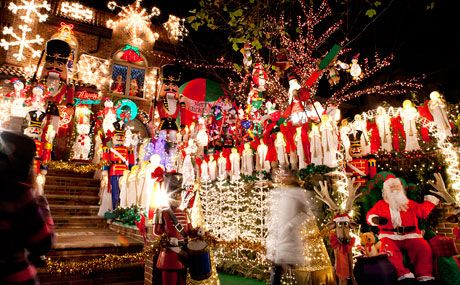 Dyker Heights Christmas Lights in New York City – A Slice of Brooklyn Tours  of Famous Holiday Displays - Dyker Heights Christmas Lights In New York City €� A Slice Of