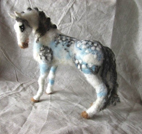 Needle felted horse - I like the colors and patterns... incorporate into next horse painting