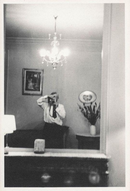 "Man takes a ""selfie"" in a mirror"