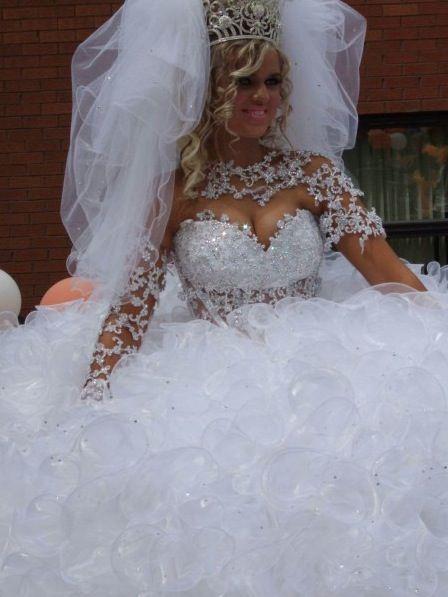 Bubbly White Wedding Dress Trashy Or Classy Tacky Beautiful
