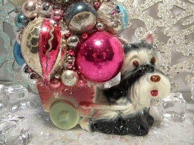 """Ms Bingles Vintage Christmas: I just cant get out of the the """"Holiday Mood"""""""