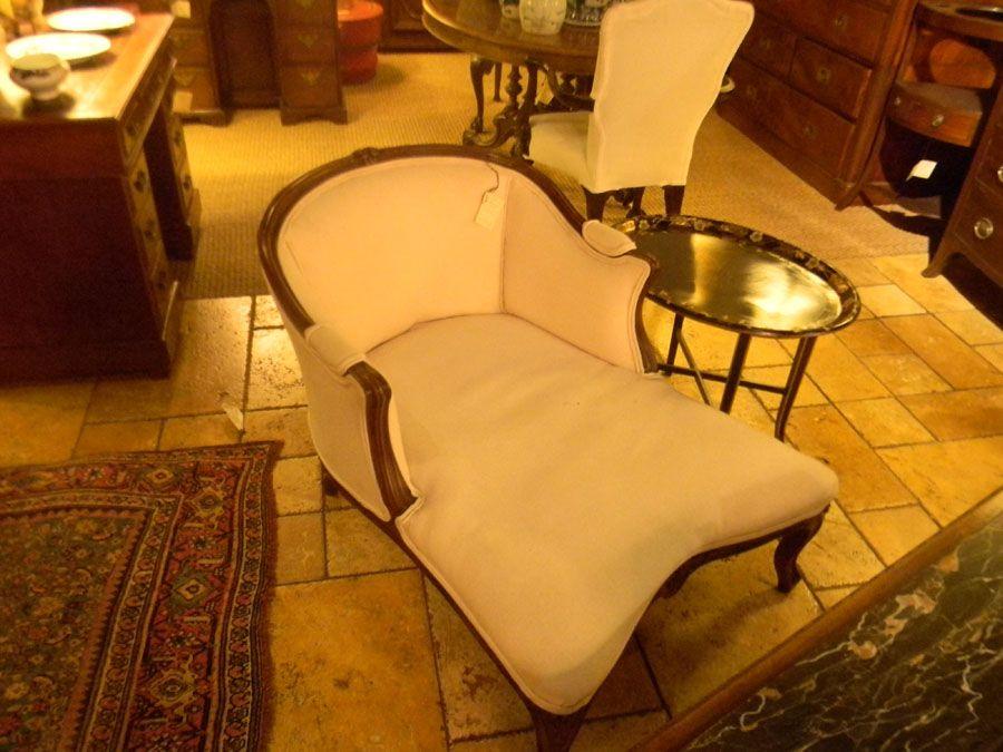 $2250 U2014 Walnut Carved Duchesse | Plantation Antique Galleries U2014 604 Bel Air  Blvd.,