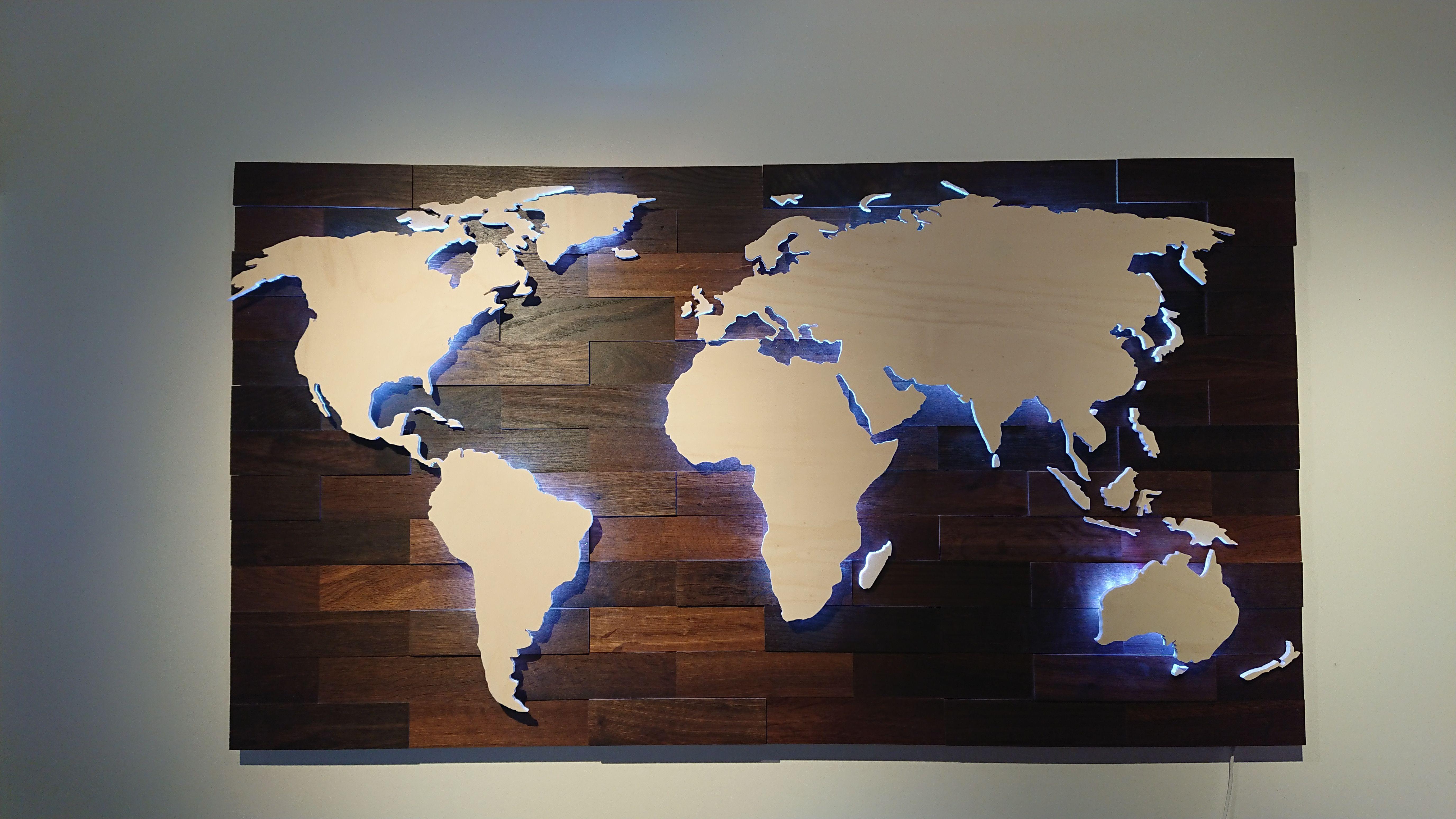 3d Weltkarte Aus Holz Mit Led Beleuchtung Die Karte Ist Wifi Fahig Und Lasst Sich Mit Einen Smartphone Steuern D Weltkarte Aus Holz Led Beleuchtung Weltkarte