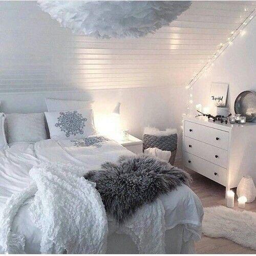 Weißes Schlafzimmer mit grauen Akzenten | Schlafzimmer / Bedroom ...