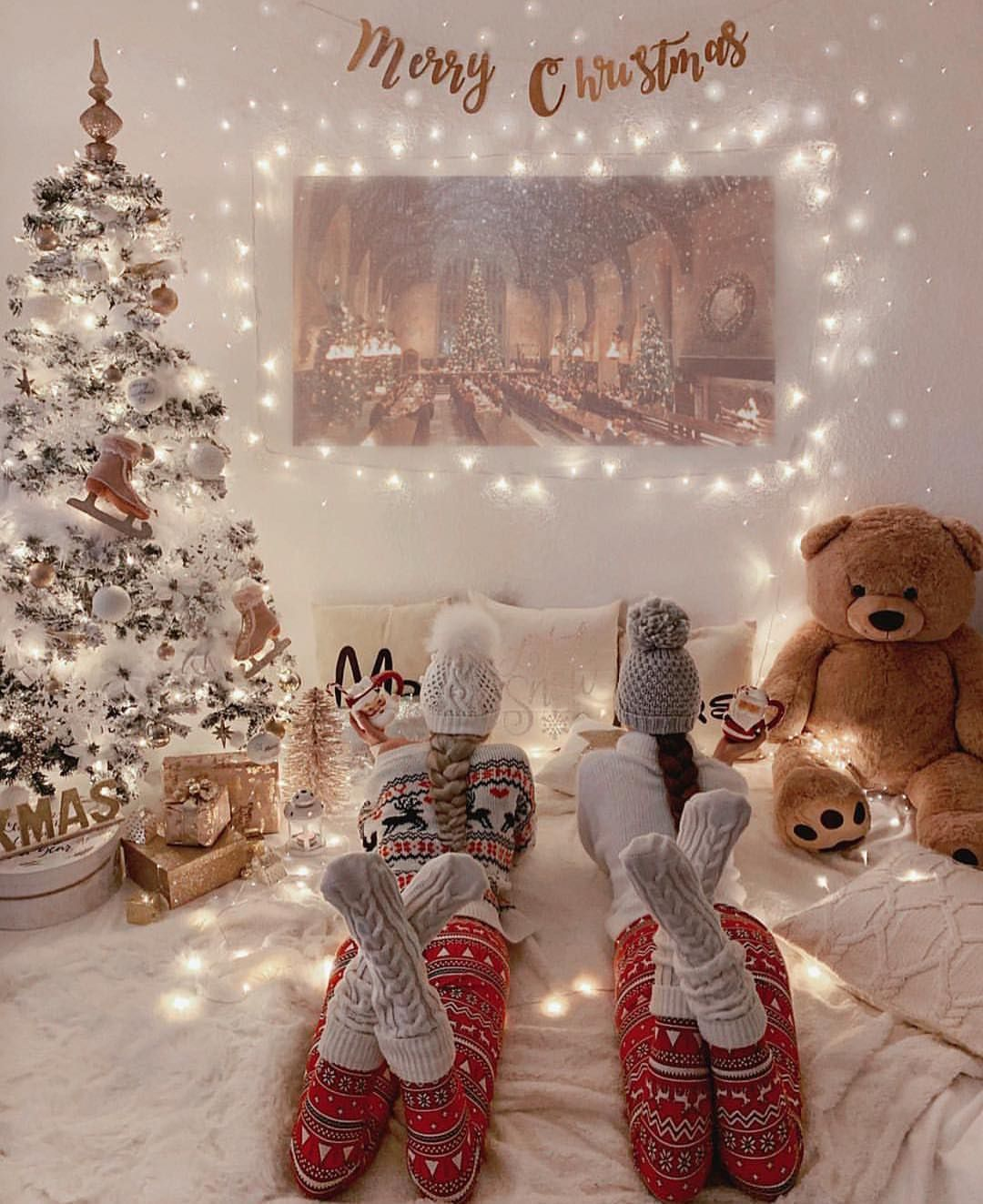 Pin By Paige Zapach On Christmas Photo Shoot Christmas Movie Night Christmas Pictures Christmas Aesthetic