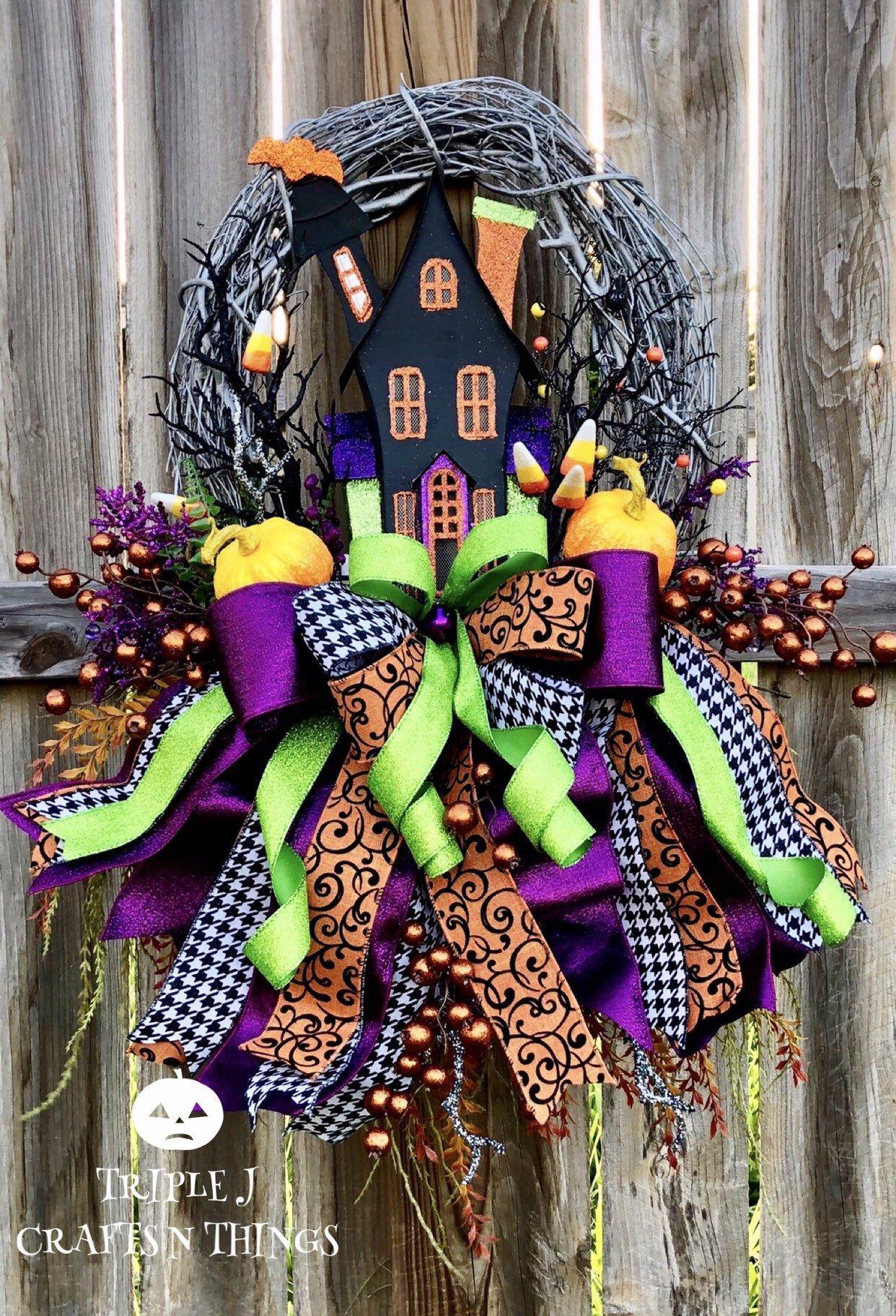 Halloween Wreath for Front Door, Halloween Decor, Haunted House Wreath, Halloween Door Decor, Fall Wreath, Halloween Decorations #halloweendoordecorations