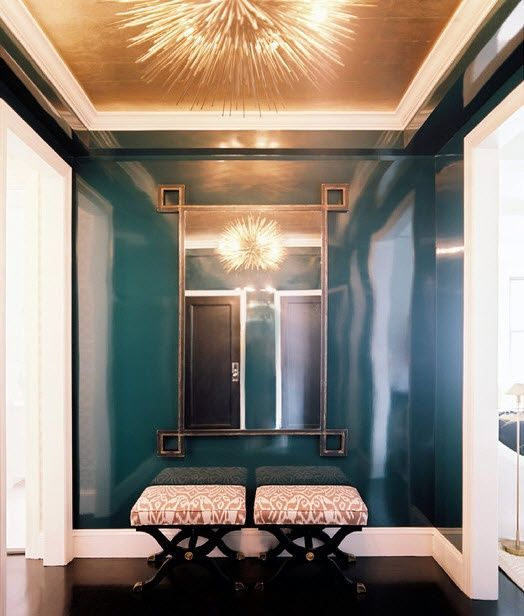 High Gloss Painted Walls The Mirror In This Hall Does A Great Job Of Furnishing The Space Lacquered Walls Gold Ceiling Home