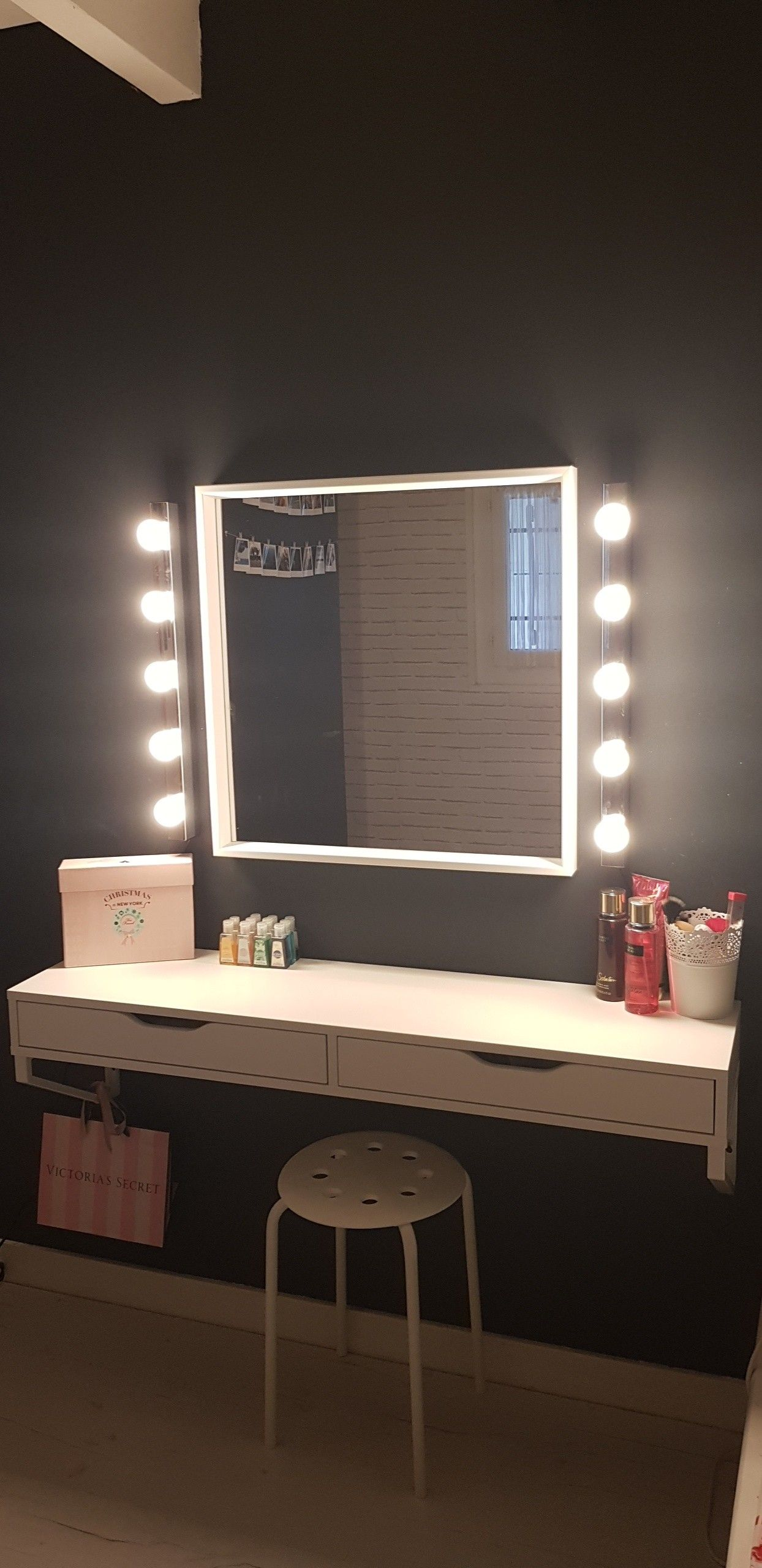 Coiffeuse #maquillage #ikea #makeup  Déco chambre ikea, Deco